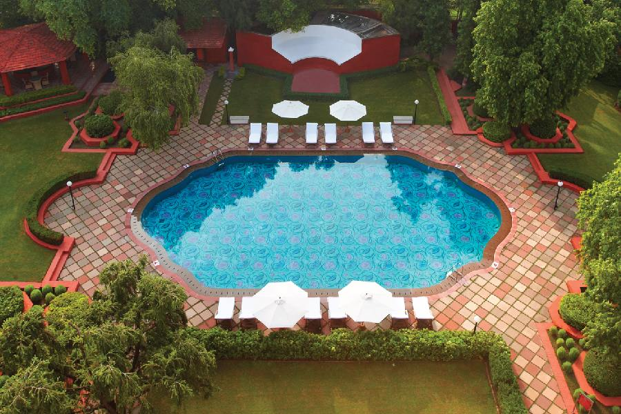 Pool, The Gateway Hotel Ganges, Varanasi, Indien Rundreise