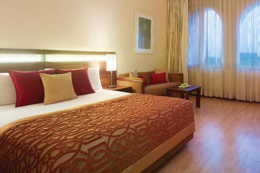 Suite, The Gateway Hotel Ganges, Varanasi, Indien Rundreise