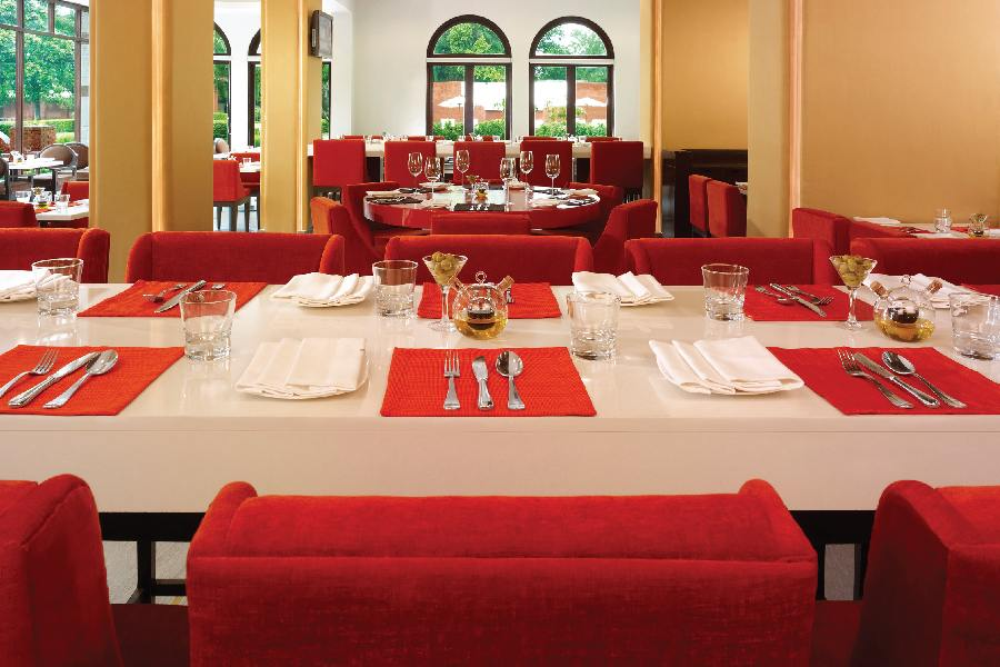 Restaurant, The Gateway Hotel Ganges, Varanasi, Indien Rundreise